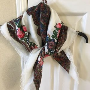 Accessories - Floral square scarf